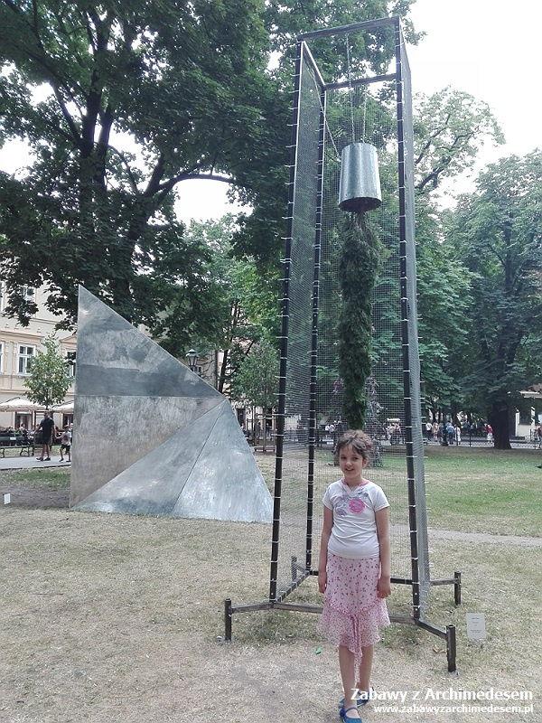 Wakacyjne podróże zhistorią isztuką: Wystawa Przestrzeń Znaczeń