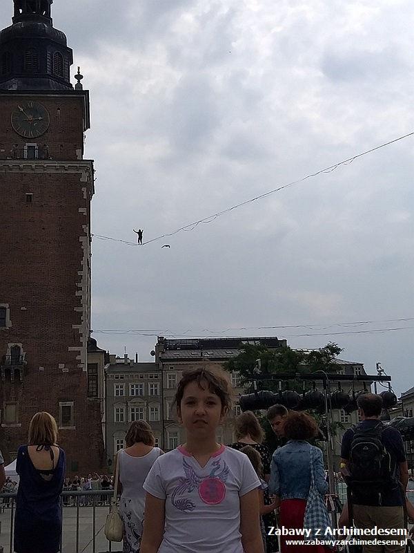 Wakacyjne podróże zhistorią isztuką: Festiwal Teatrów Ulicznych wKrakowie
